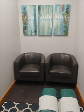 Chiropractic Winnebago IL Waiting Chairs